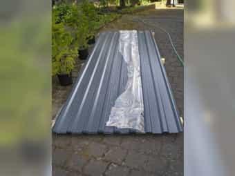 Trapezbleche für Dach Schrauben