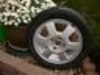 ALU-Felge mit Reifen