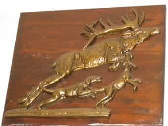 Holzbild mit Hirsch- bzw Jagdsituation